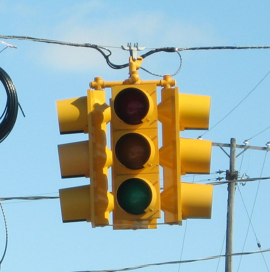 Out traffic signal