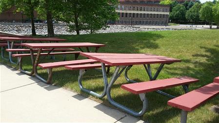 Battle Creek MI - Picnic table michigan